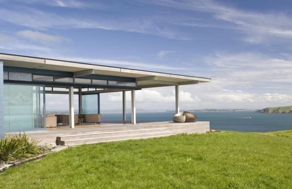 Hurakia Lodge Deck