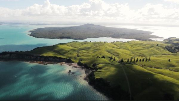 Sightseeing by helicopter from Albany to Waiheke