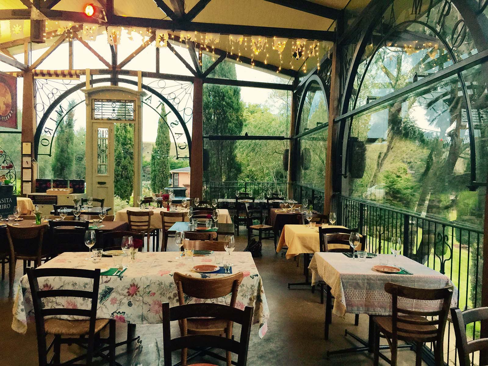 Casita miro green dining