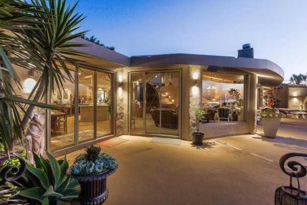 Outside Lodge Lounge